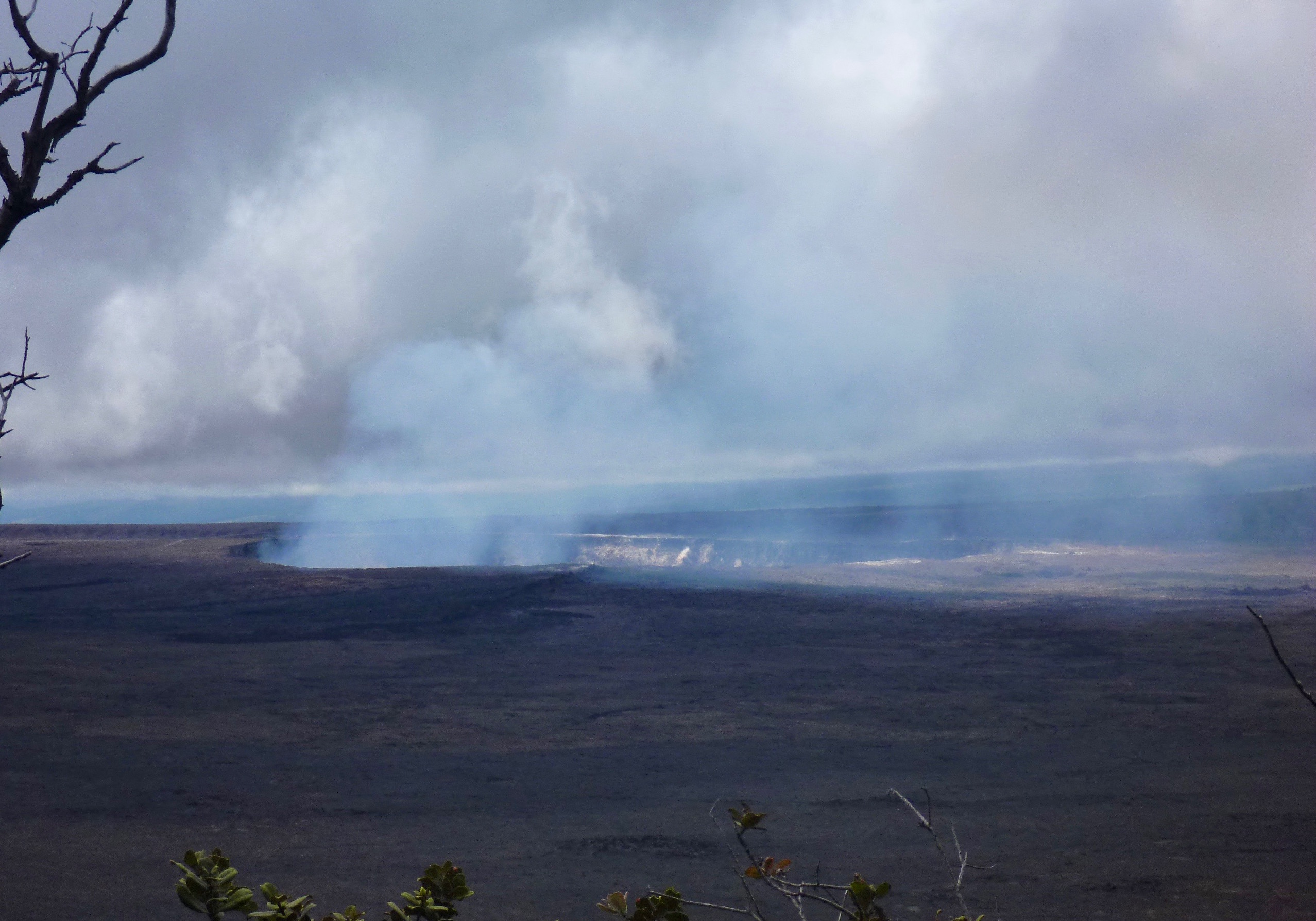 Kilauea_lava_lake